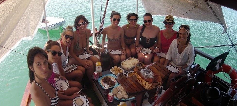 despedida de soltera comida en barco